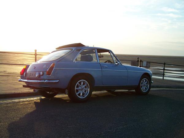 MG MGB FACTORY WINDSHIELD POST SPACERS