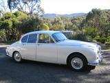 1966 Daimler V8 250